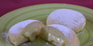 Beignets à la crème anglaise cuits au four