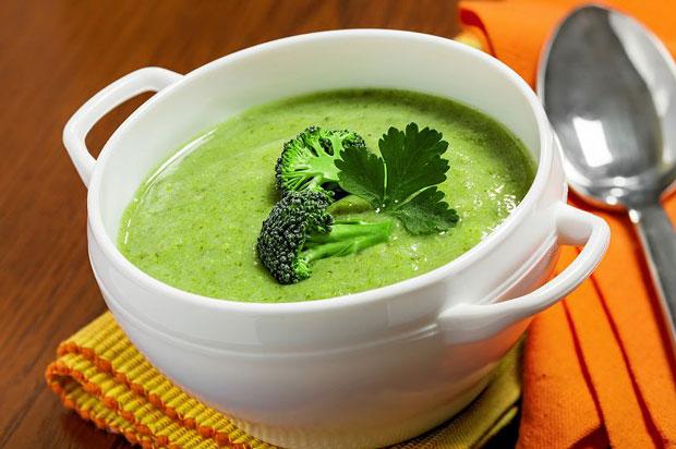 Soupe de brocolis avec thermomix recette thermomix - Recette soupe thermomix ...