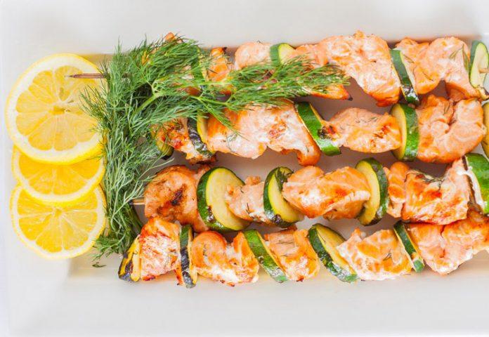 Brochettes de poisson l 39 aneth l g res plat et recette - Plat cuisine weight watchers ...