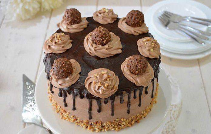 Layer Cake au Ferrero Rocher avec Thermomix