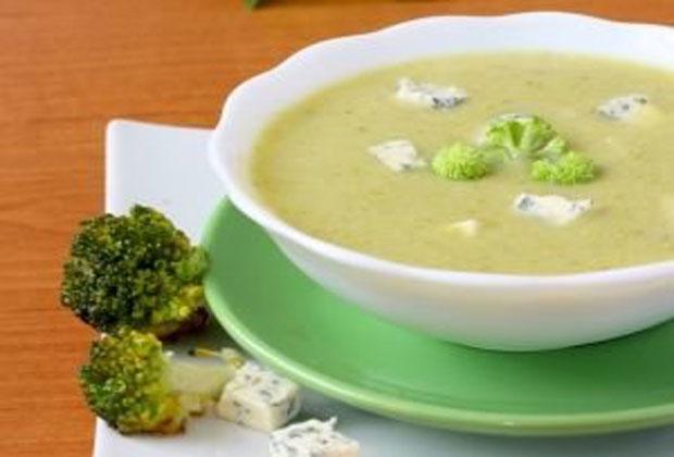 soupe de brocoli au fromage bleu l g re recette l g re plat et recette. Black Bedroom Furniture Sets. Home Design Ideas