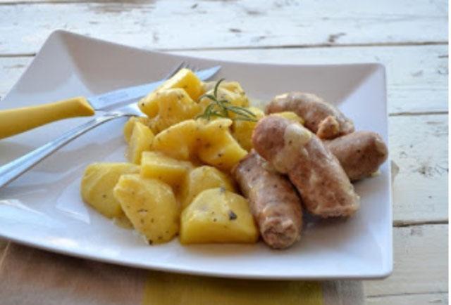 Saucisses et pommes de terre au Varoma